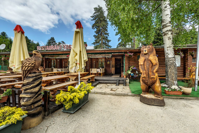 Yagoda Ski Chalets - Food and dining